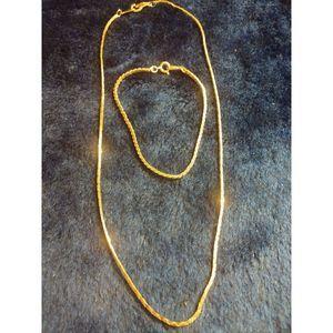 ~Gold Plated~Necklace And Bracelet Set~